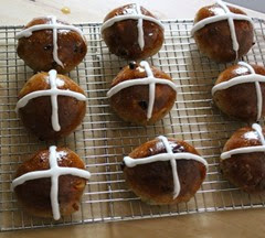 sourdough-hot-cross-buns_135