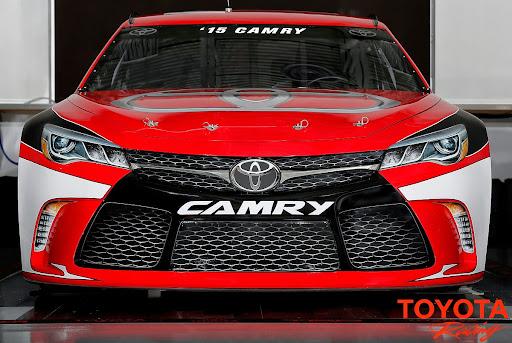 2015-Toyota-Camry-NASCAR-03.jpg