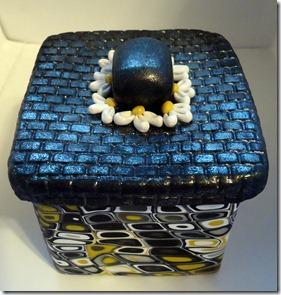 black retro box finished