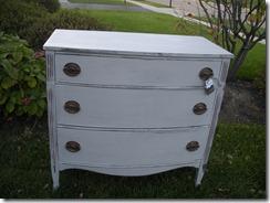 Dresser 008