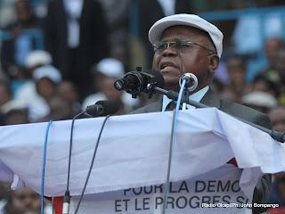 – Etienne Tshisekedi le 9/8/2011 au stade des martyrs à Kinshasa. Radio Okapi/ Ph. John Bompengo