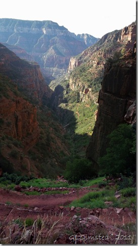 04 Looking down North Kaibab trail GRCA NP AZ (573x1024)