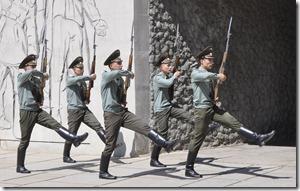 018-volgograd- mamaev kourgan- reléve de la garde