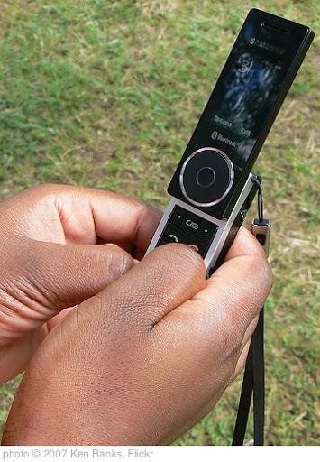 'kiwanja_kenya_texting_16' photo (c) 2007, Ken Banks - license: http://creativecommons.org/licenses/by/2.0/