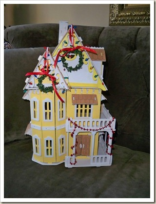 Yellow-Doll-House-Xmas