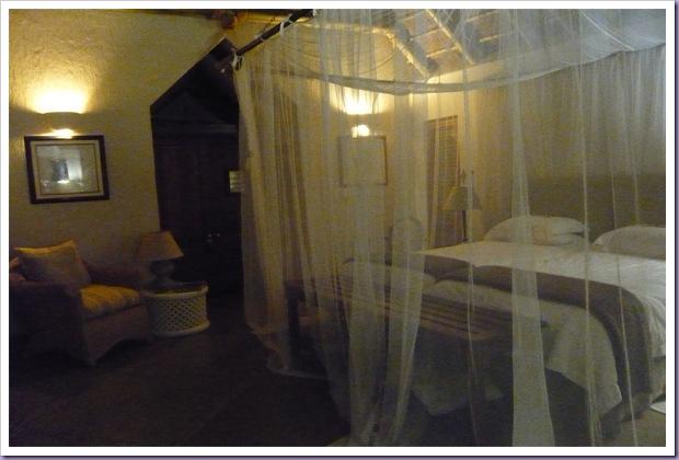 Thornybush-Game-Lodge-Hoedspruit-África-do-Sul-Reserva-Hotel-Cama