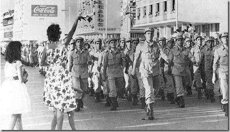 1961 Chegada das primeiras tropas a Luanda