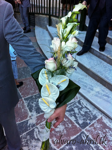 alvaro-abril-ramos-de-njovia-exorno-floral-bodas-granada-2012.jpg