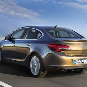 2013-Opel-Astra-Sedan-Official-3.jpg