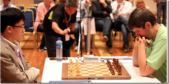 Le Quang Liem vs Peter Svidler in Game One, Round 4, World Cup 2013