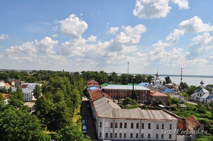 Rostov kreml viewpoint 2.jpg