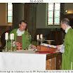 39  Relieken op altaar St. Lambertuskerk gelegd.JPG