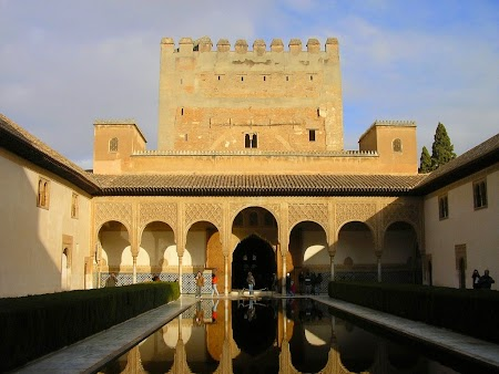 01. Palatul Alhambra - Granada, Spania.JPG