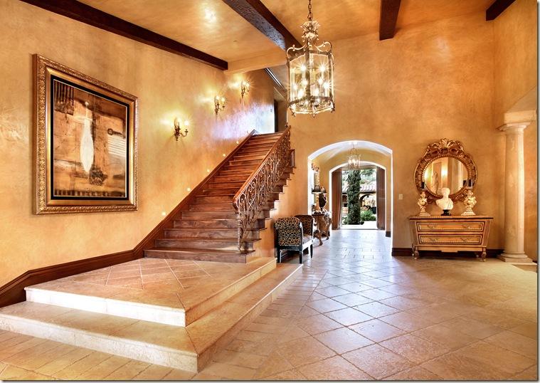 R foyer