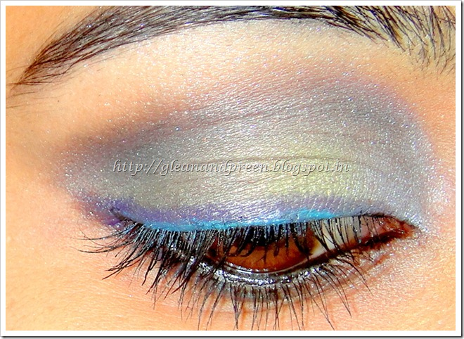Blue Green Purple Eye Make Up