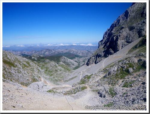 Jito Escarandi - Jierru 2424m - Lechugales 2444m - Grajal de Arriba y de Abajo (Picos de Europa) 0111