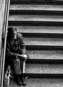 Escada - Subir ou só olhar alguém subindo