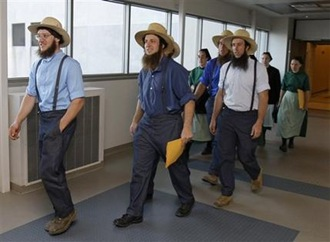 Members-of-the-Amish-community