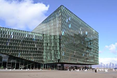 Obiective turistice Islanda: Harpa Concert Hall Reykjavik