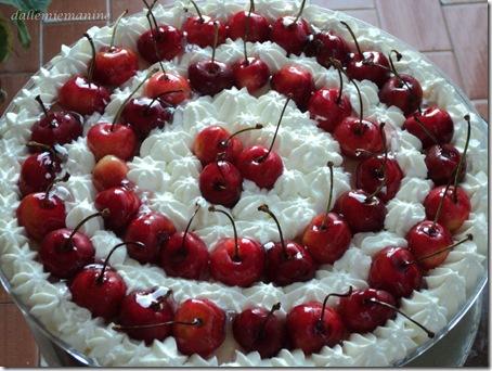torta crema e ciliege