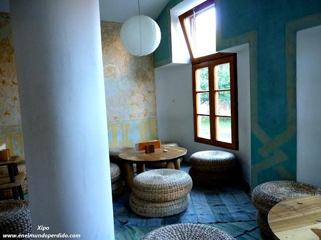 sala-de-ocio-hostel-celica.JPG