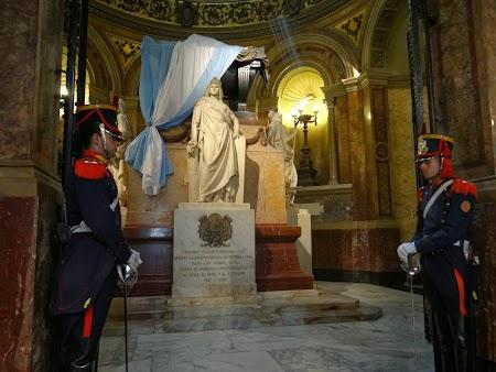 08. Mormantul lui San Marin - Buenos Aires.JPG