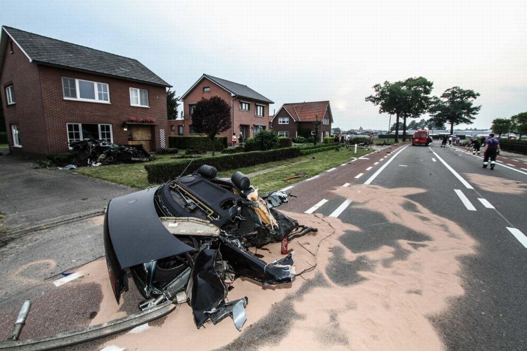 Audi-S8-Accident-14%25255B2%25255D.jpg