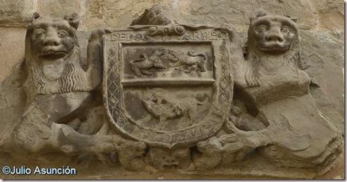 Escudo con leones - Aibar