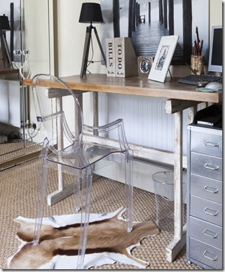 Home-office--Elegant-trestle--25-Beautiful-Homes