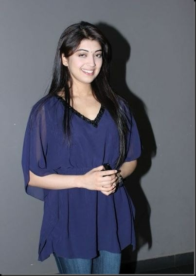 pranitha-spotted-at-hotel-3