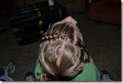 Hairdo-smelly pie 029