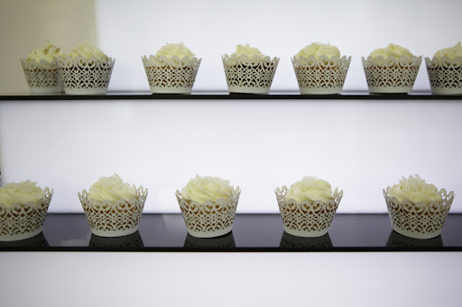 We loved the little lacy liners that they dressed their mini cupcakes in.