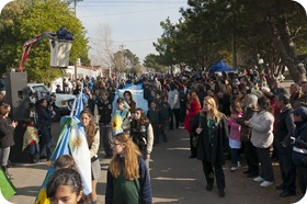 Desfile Cívico en los festejos por el 9 de Julio en Santa Teresita