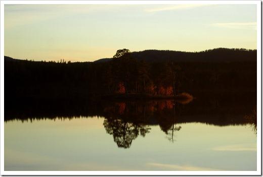 Spegelblanka sjöar är magiska.