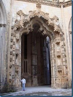 449px-Puerta_capillas_anacabadas
