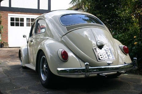 11117-00000096f-be4b_VW-Beetle-Ragtop-033