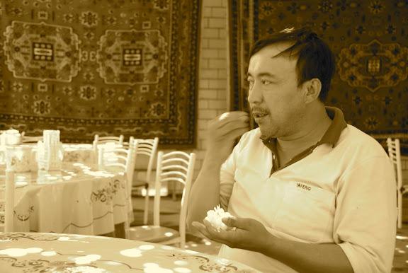 Turfan - Putaogou mon chauffeur mange son raisin