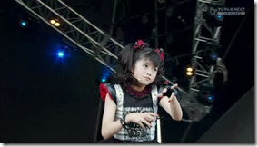 BABYMETAL_catch-me-if-you-can_12