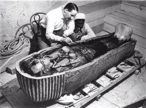 Howard Carter e a múmia de Tutancâmon