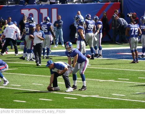 'Eli Manning practices' photo (c) 2010, Marianne O'Leary - license: http://creativecommons.org/licenses/by/2.0/