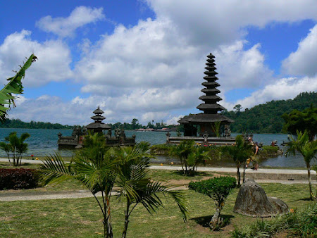What to do in Bali: Visit Bedugul