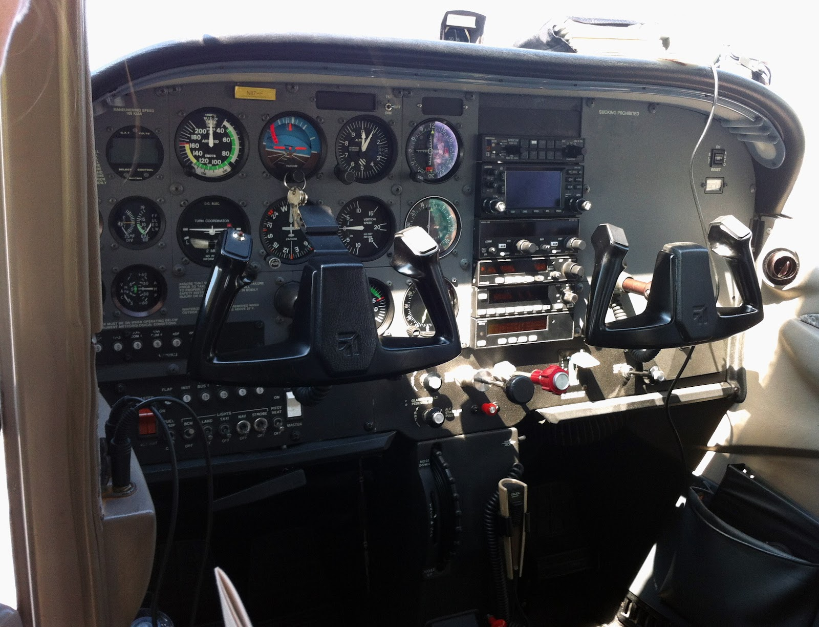 [150-Cessna-Cockpit-Sheva-Apelbaum.jpg]