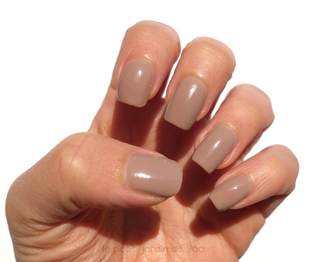 03-mua-cosmetics-nail-polish-shade-19-review-swatch-nude