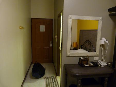 Cazare ieftina Thailanda: interior camera Rambuttri Village Inn Bangkok