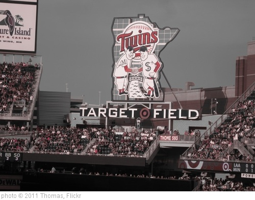 'Target Field Twins Sign' photo (c) 2011, Thomas - license: http://creativecommons.org/licenses/by-sa/2.0/