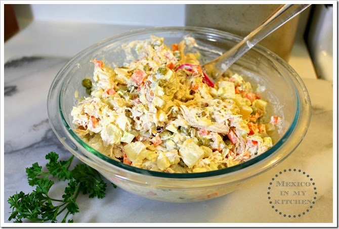Mexican Chicken Salad | Mexican recipe with carrots, potatoes, peas and mayonnaise. Perfect to eat with saltine crackers, tostadas, sandwiches.