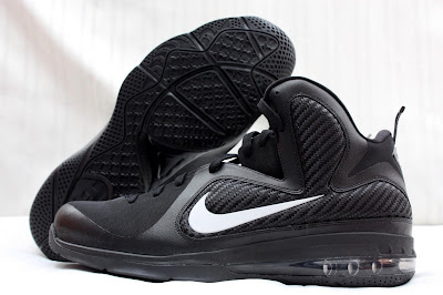 nike lebron 9 pe black white 1 06 PE Spotlight // Nike LeBron 9 Triple Black with White Swoosh
