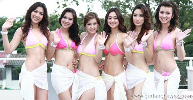 Pose-Pose Nakal Cewek Thailand || gudangcewek.com