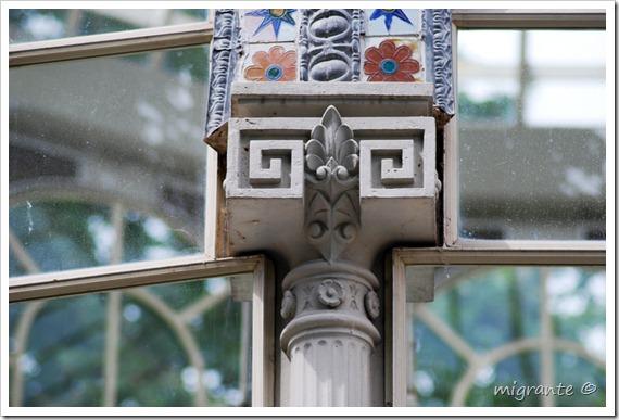 palacio de cristal - parque del retiro - madrid - pequeño capitel