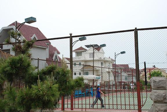 Qingdao - tennis en bord de mer